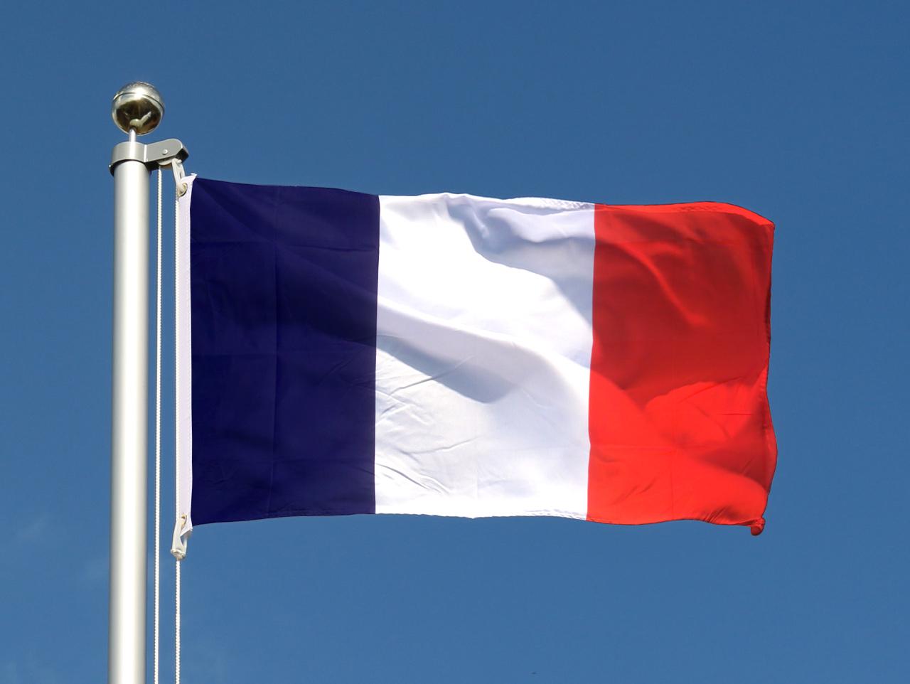 Drapeau fran ais pas cher 60 x 90 cm monsieur des drapeaux - Drapeau rouge avec drapeau anglais ...