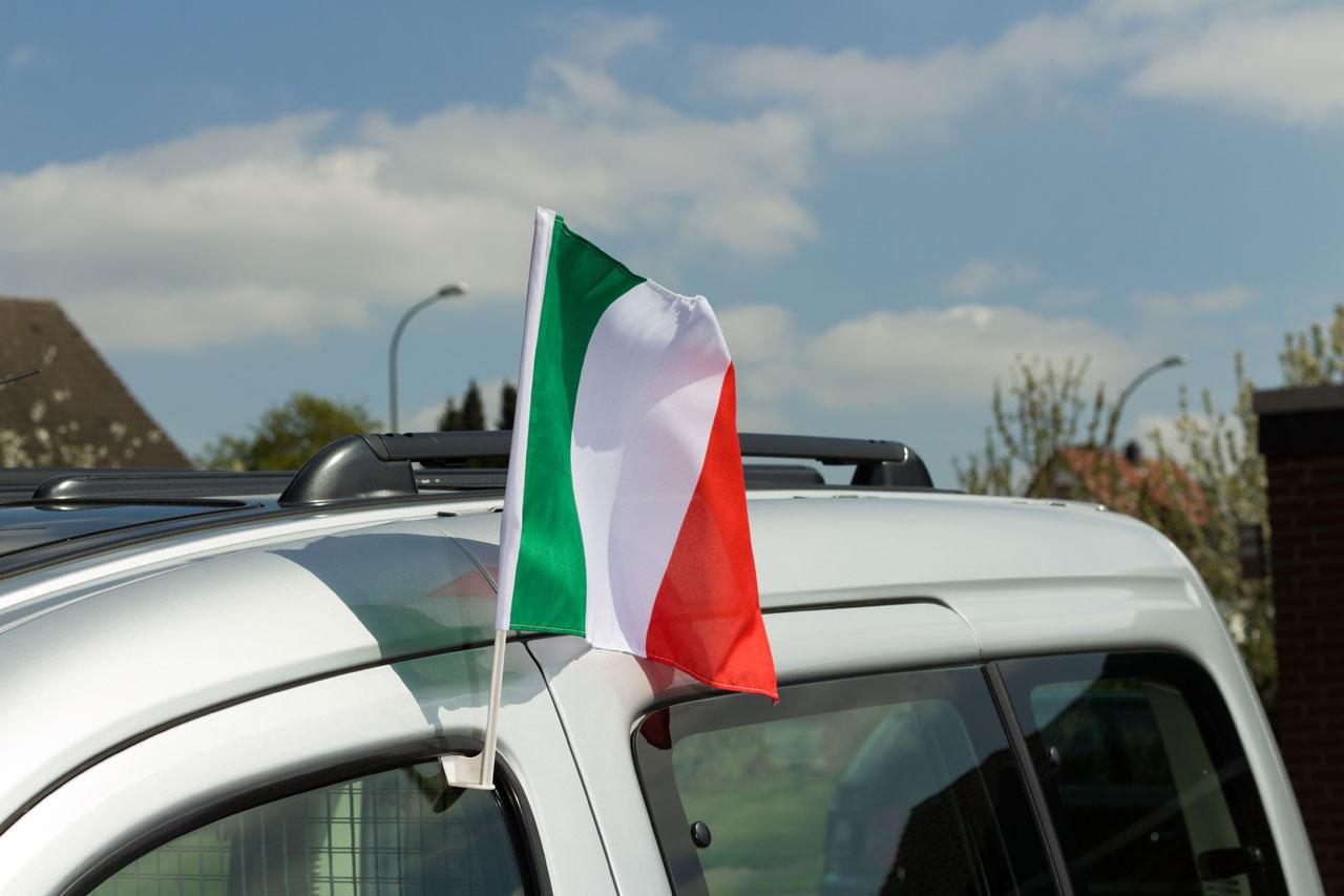 drapeau de voiture italie monsieur des drapeaux. Black Bedroom Furniture Sets. Home Design Ideas