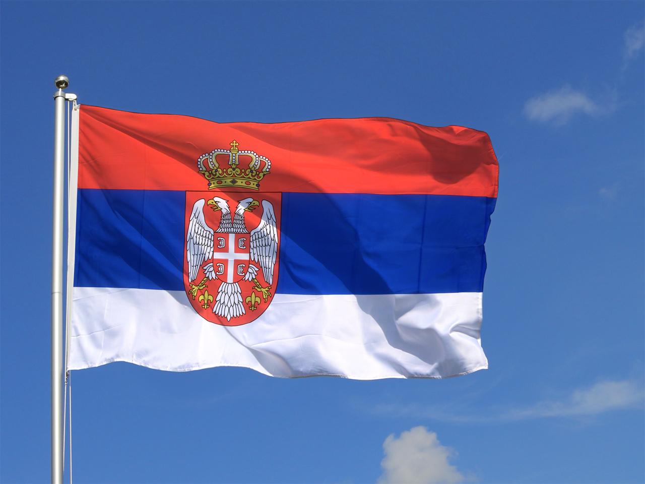 grand drapeau serbie avec blason 150 x 250 cm monsieur