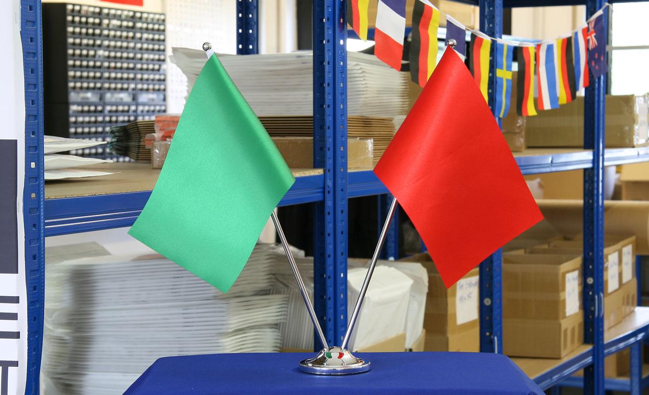 Sockel Kok 15 Cm : Sockel der Freundschaft for zwei Satin Flaggen  15 x 22 cm
