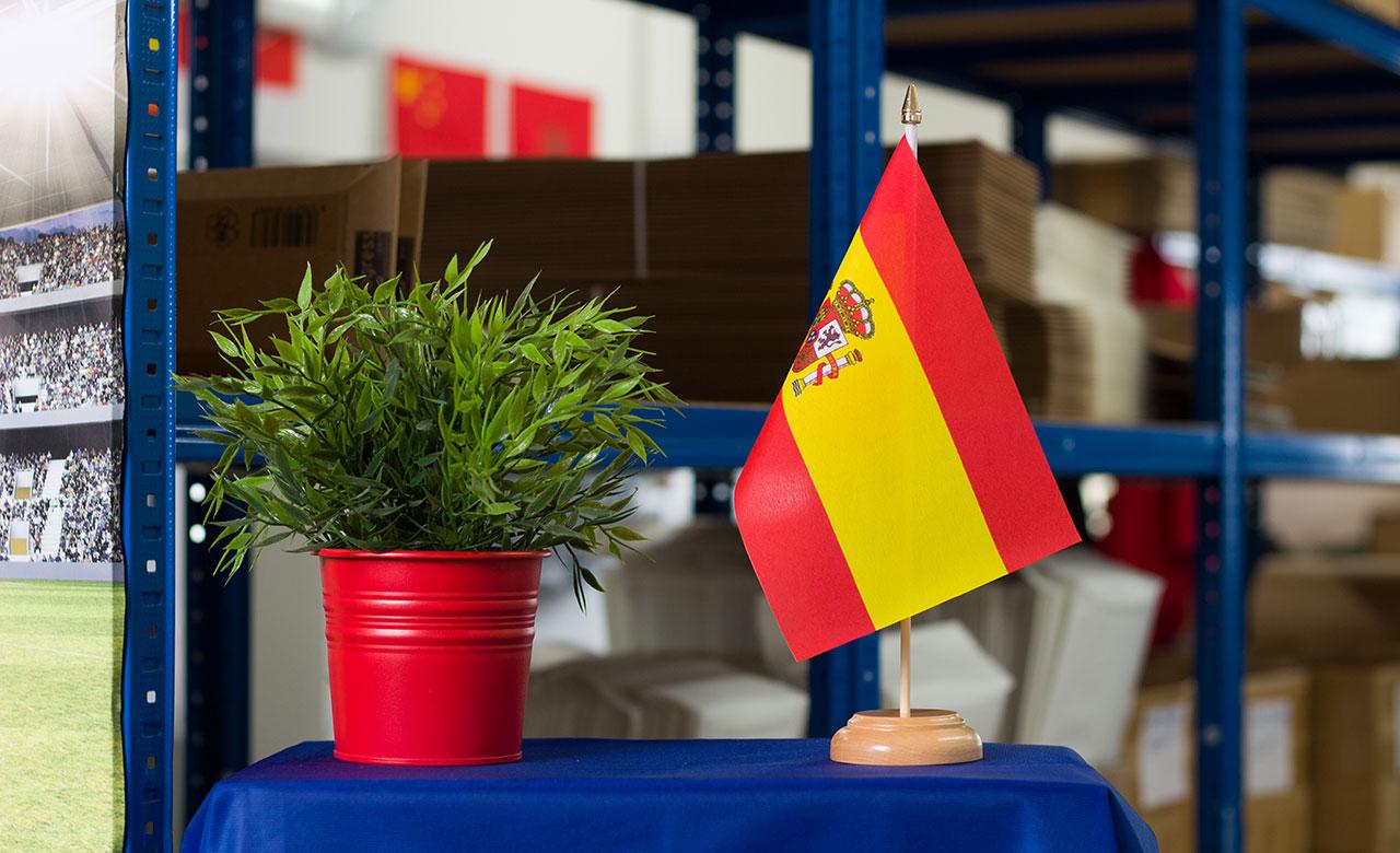 Spanien mit wappen holz tischflagge 15 x 22 cm for Dekoration spanien